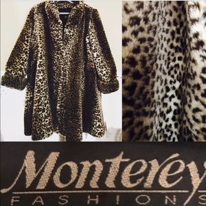 AH-MAZING VINTAGE LEOPARD FAUX FUR SWING COAT ❤️